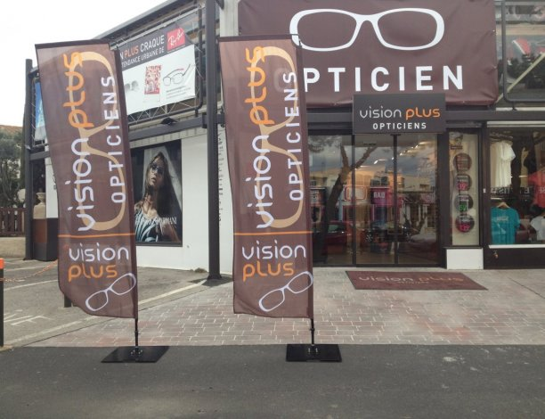 drapeaux hit banner vision plus opticien